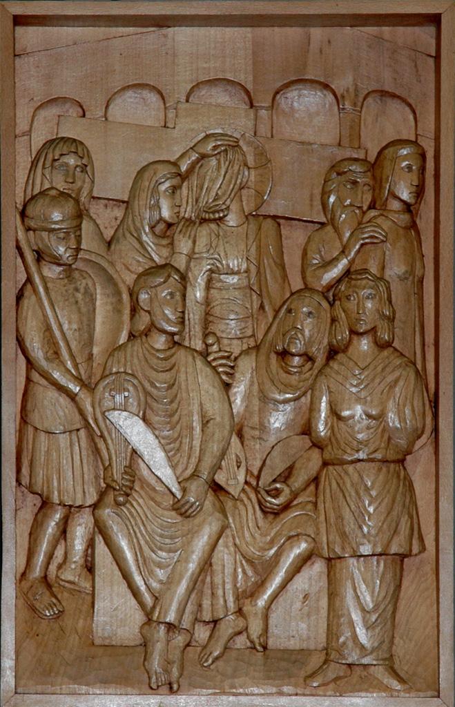 Sixième station : Véronique essuie le visage de Jésus. Gravure sur bois, église Notre-Dame du Travail, Paris.