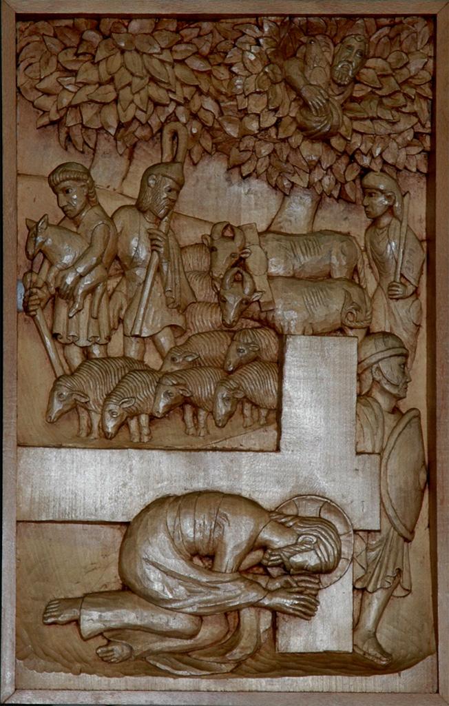 Neuvième station : Jésus tombe une troisième fois. Gravure sur bois, église Notre-Dame du Travail, Paris.