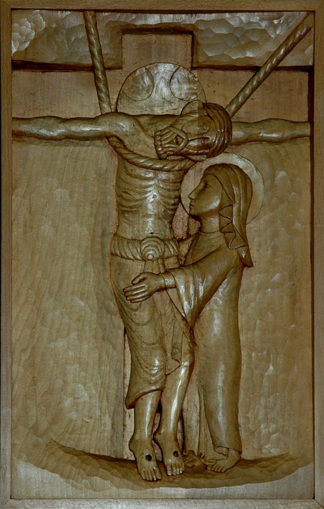 Treizième station : Jésus repose dans les bras de sa Mère. Gravure sur bois, église Notre-Dame du Travail, Paris.