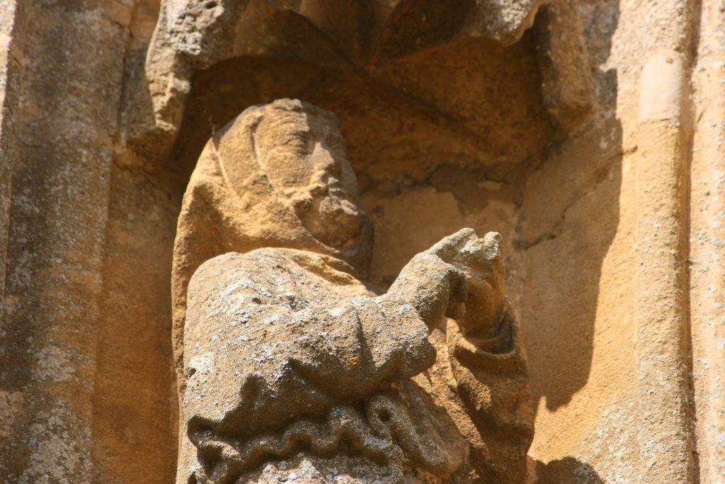 Saint François d'Assise, basilique Notre dame d'Avioth, portail de la Vierge.