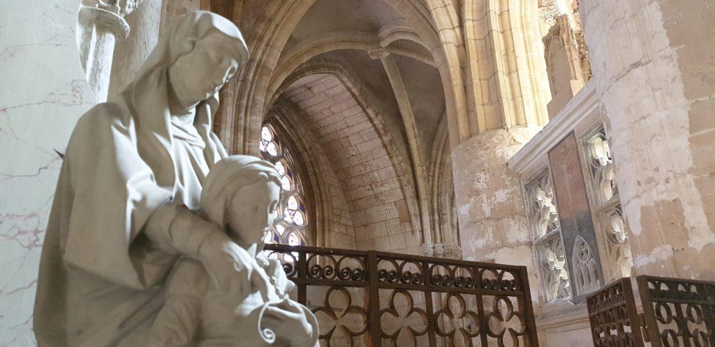 Basilique Notre-Dame d'Avioth, sainte Anne t la Vierge enfant.